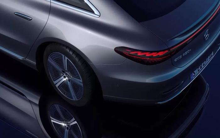 Las ruedas traseras del Mercedes EQS sólo girarán al máximo si pagas suscripción